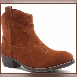 Shoes - NEW Brown Faux Suede Cowboy Boot Style Size 6